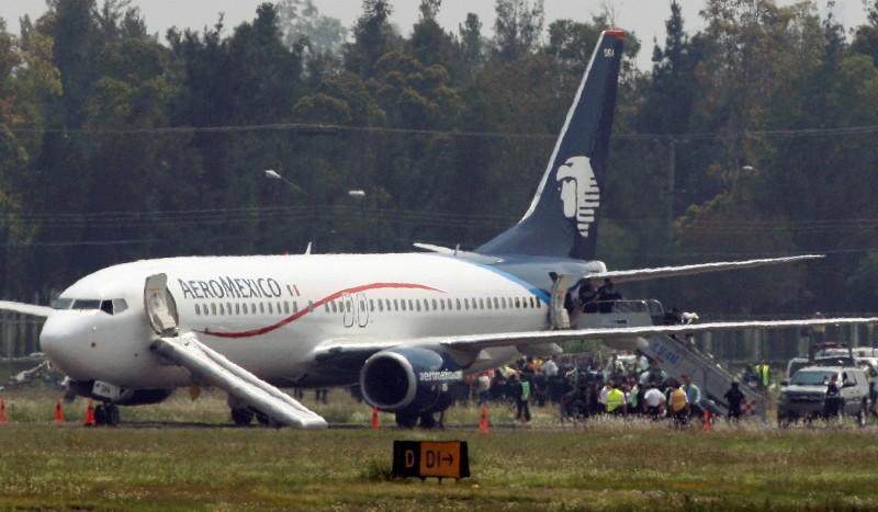 En el aeropuerto internacional de la capital mexicana evacuan a los pasajeros del avión de Aeroméxico secuestrado