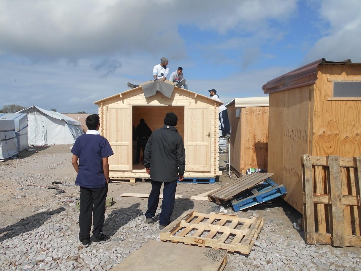 Médicos Sin Fronteras construyendo un nuevo puesto de atención