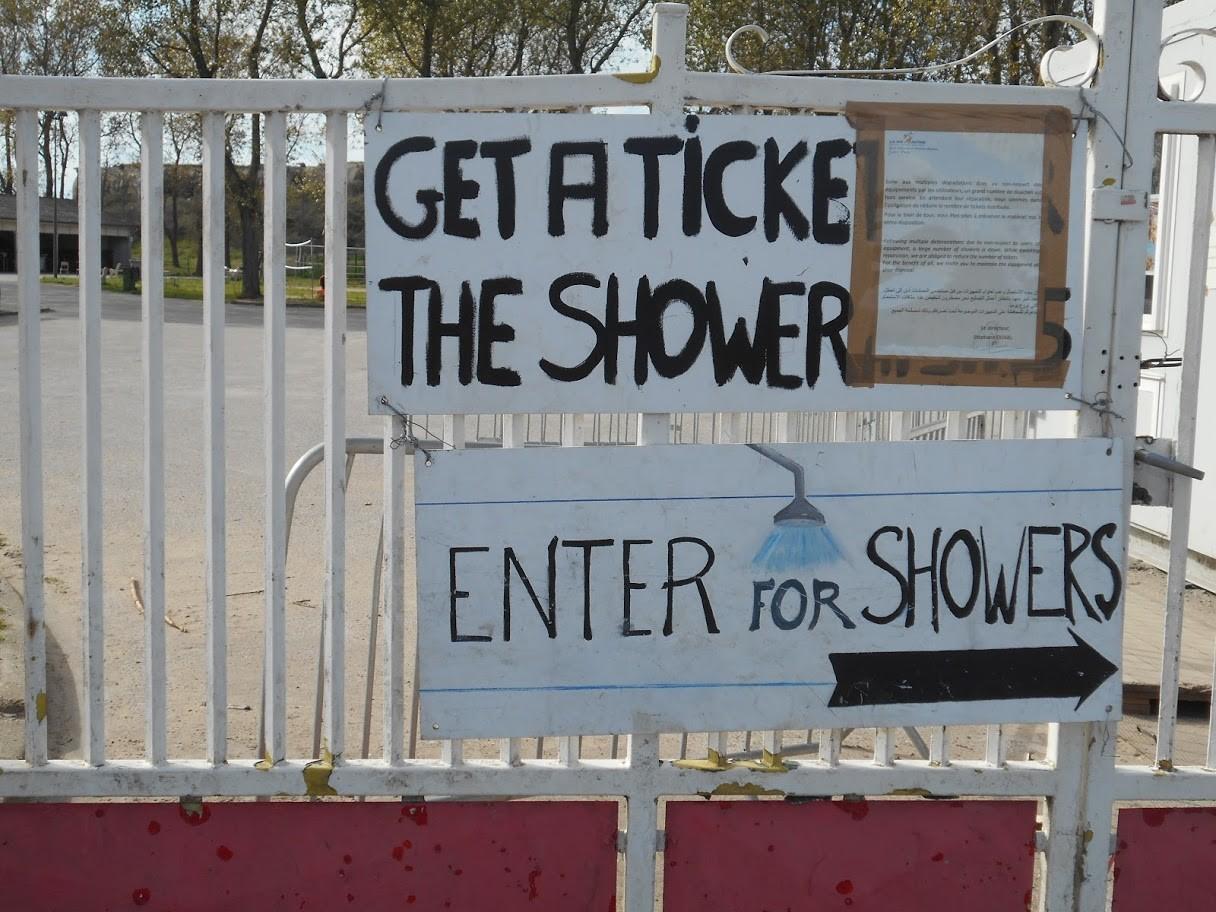 """""""Saque un ticket para ducharse"""""""