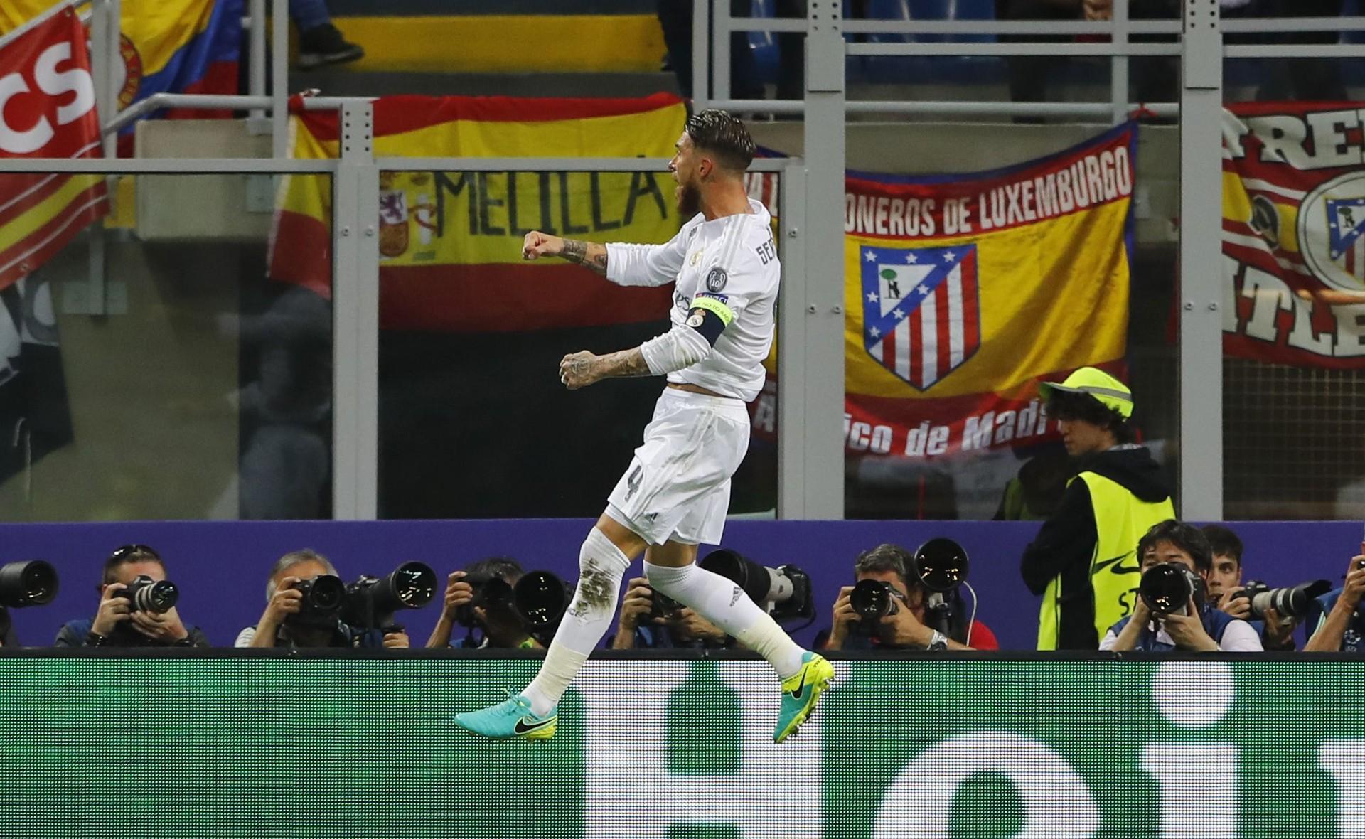 Ramos celebra el primer gol en la final de la Champions 2016 ante el Atlético