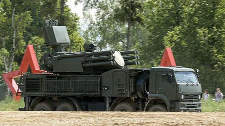 Sistema aantiaéreo cañón-misil Pantsir en su versión para el ejército de tierra