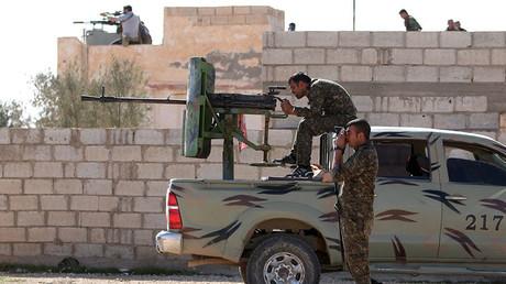 Combatientes de las Fuerzas Democráticas de Siria