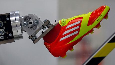 Adidas abre una fábrica robotizada en Alemania