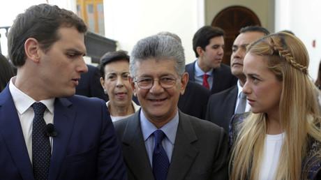 Albert Rivera acompañado en Caracas por Henry Ramos, presidente de la Asamblea Nacional y Lilian Tintori, esposa de Leopoldo López