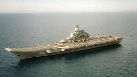 El portaaviones Almirante Kuznetsov en el mar Mediterráneo