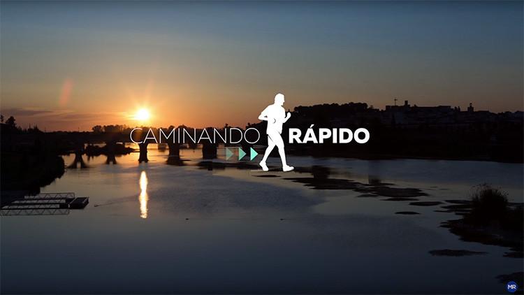"""España: Los internautas se ríen de Rajoy """"caminando rápido"""" en una serie de videos electorales"""