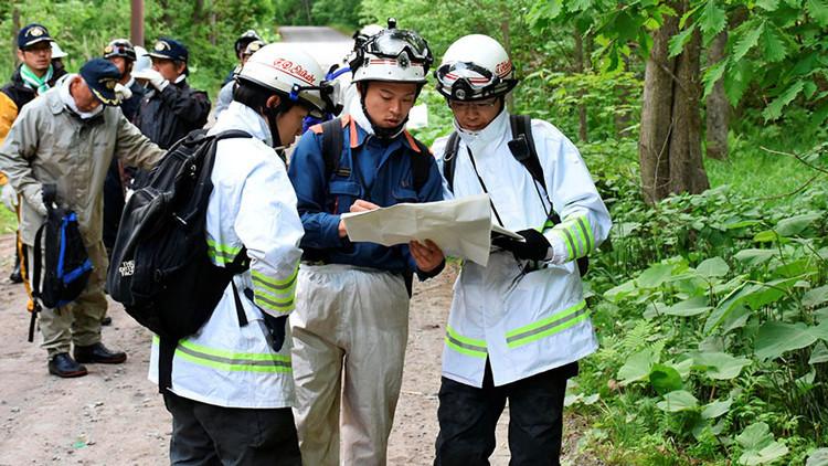 Japón: Castigan a su hijo abandonándolo en un bosque de osos y desatan una ola de ira en la Red