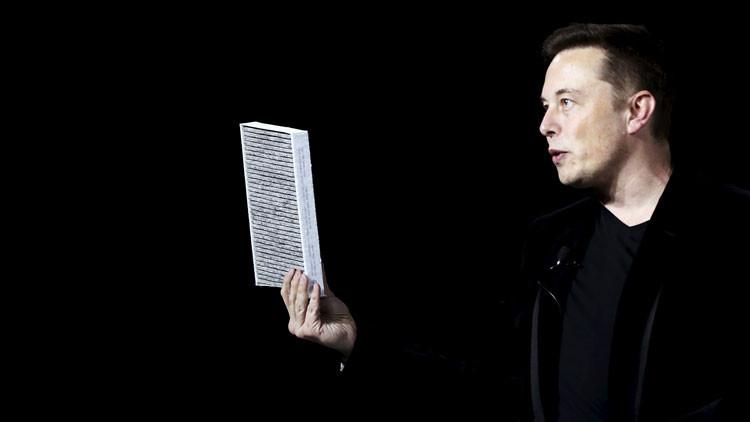 Elon Musk: Existe la posibilidad de que vivamos en una realidad como 'Matrix'