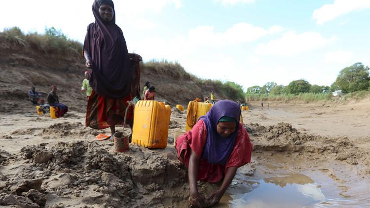 El 'tesoro' por el que millones de mujeres arriesgan su vida en África