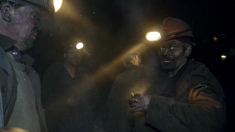 Se incendia una mina de carbón en Siberia con decenas de mineros en su interior