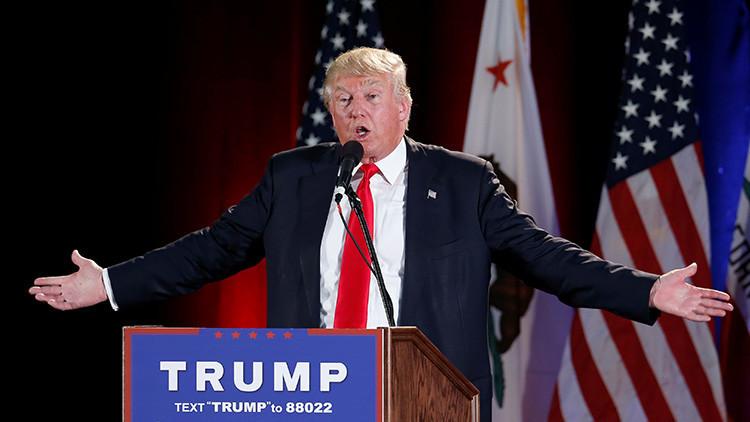 """Donald Trump: """"¡Hillary Clinton debe ir a la cárcel!"""""""