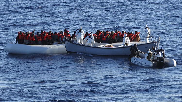 Naufraga en mar Mediterráneo una embarcación con 700 inmigrantes