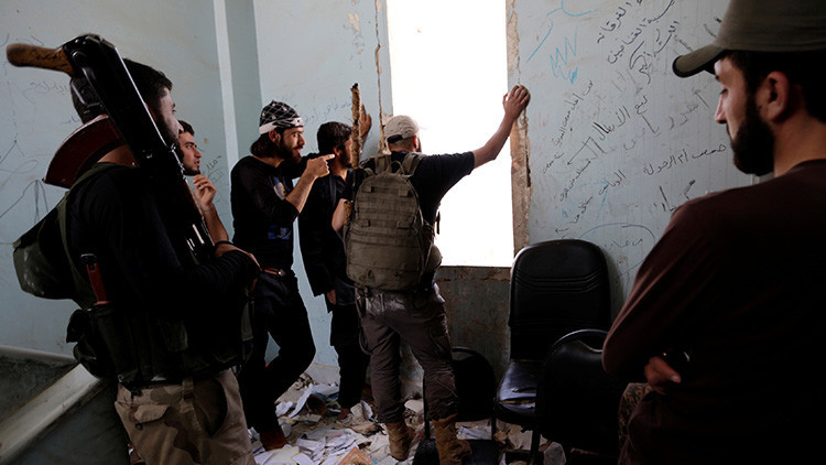 Rusia: Grupos de militares turcos combaten en Alepo