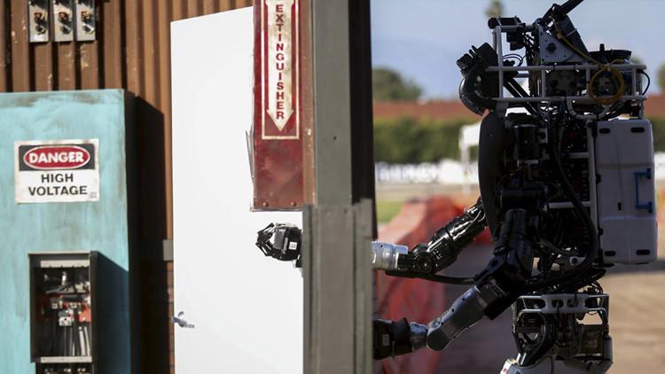 """Google trabaja sobre un """"botón rojo"""" para prevenir la rebelión de los robots"""