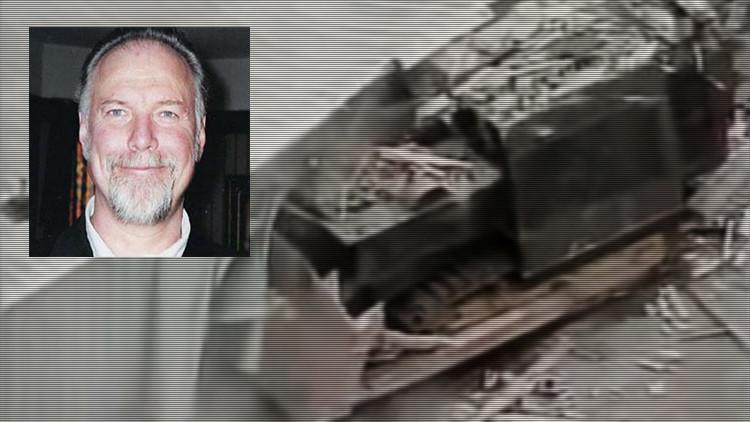 'Killdozer', el mecánico de EE.UU. que se llevó por delante su ciudad (video)