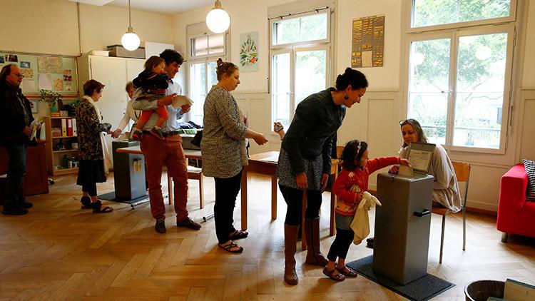 No al 'sueño marxista':Los suizos rechazan en referéndum una renta básica de 2.500 dólares