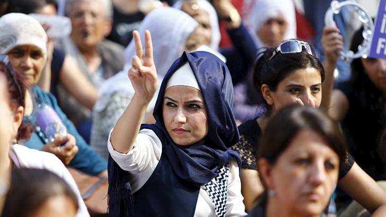 """Erdogan: Las mujeres que no tienen hijos están """"incompletas"""""""