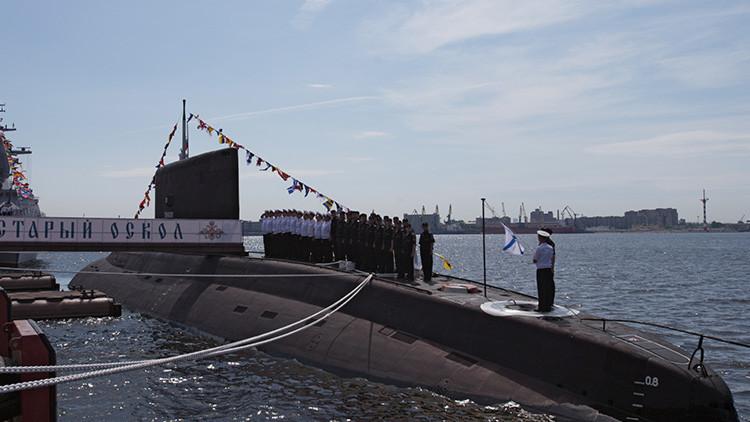 Moscú, perplejo por el alboroto creado por la OTAN en torno a un submarino ruso en el mar del Norte