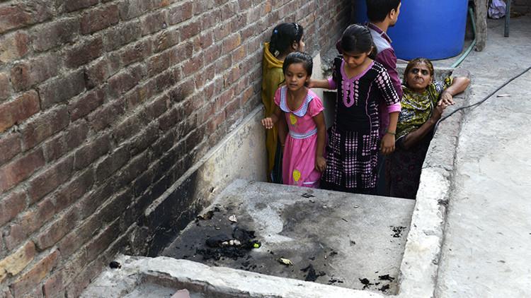 Una adolescente pakistaní que se casó por amor es quemada viva por su propia madre