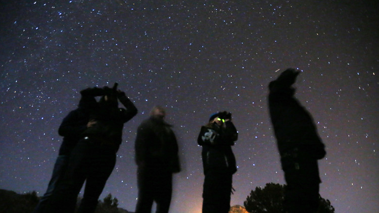 Un exempleado de la NASA rompe mitos sobre los ovnis