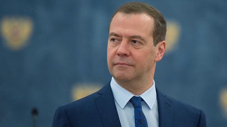 """Medvédev: """"Rusia superará cualquier problema y presión del exterior"""""""