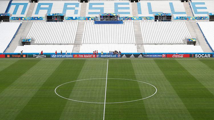 ¿Y los controles? Un periodista accede a la zona restringida de un estadio de la Eurocopa