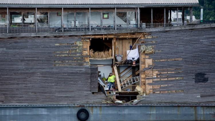 Colisión bíblica: 'Arca de Noé' sufre un accidente en un puerto noruego (video, fotos)