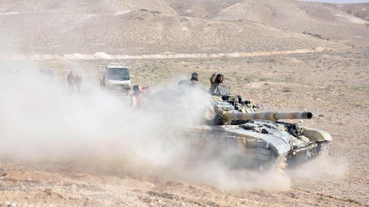 Dron muestra estratégico punto cerca de la 'capital' del EI arrebatado por el Ejército sirio (Video)