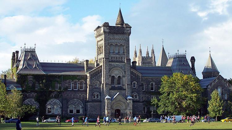 Una persona sospechosa mantiene en vilo a la Universidad de Toronto