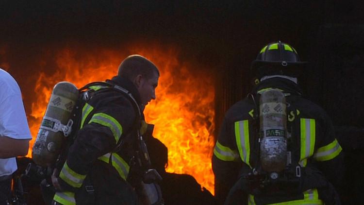 EE.UU.: Se produce un gran incendio cerca de Disney World (video, fotos)