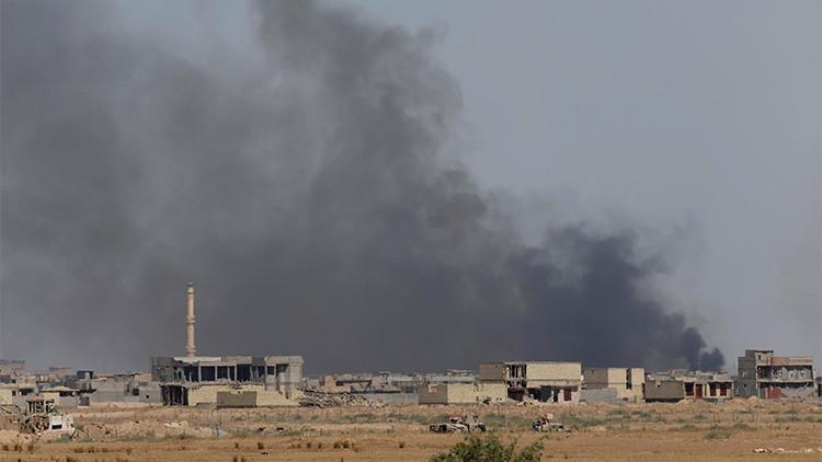 """""""Están aterrados"""": Los miembros del EI huyen en masa ante el avance de las fuerzas de Irak"""