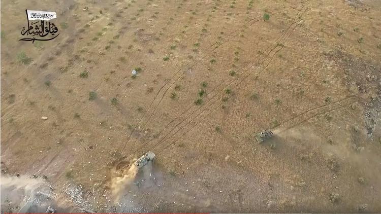 Un dron capta el combate entre yihadistas y fuerzas progubernamentales en Alepo