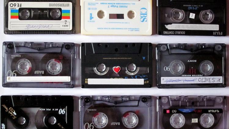 Si aún conserva alguno de estos dispositivos obsoletos quizá sea rico