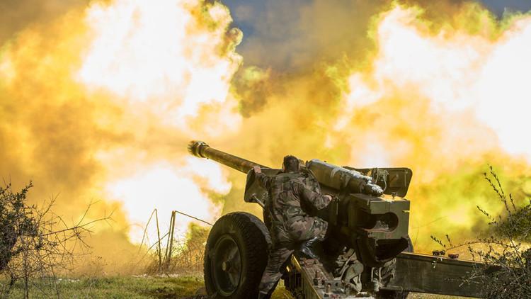 El Ejército sirio para una ofensiva a gran escala del Frente al-Nusra en la frontera con Turquía