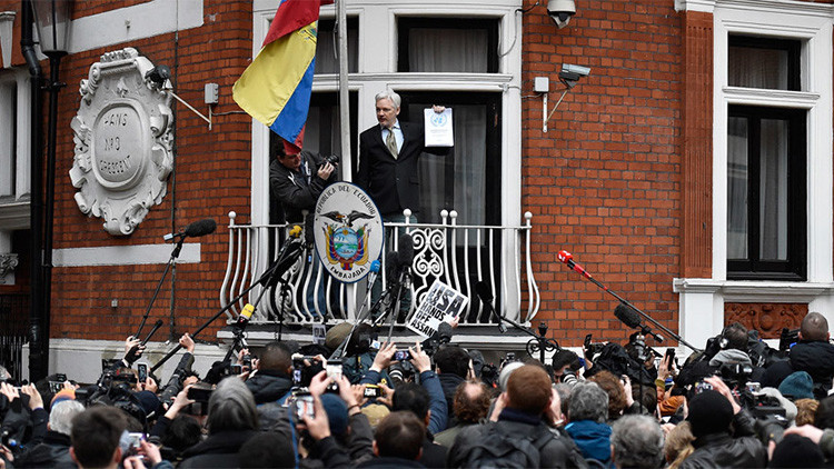 #FreeAssange: Celebridades del mundo exigen la libertad de Assange que cumple 4 años en 'prisión'