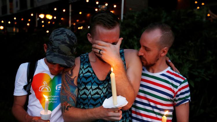 """""""Nunca pensé que moriría justo delante de mis ojos"""": Un superviviente de Orlando llora a su madre"""