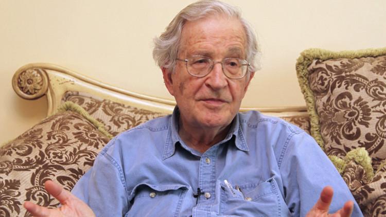 """Chomsky: """"En EE.UU. la democracia existe solo para el 1% de la población"""""""