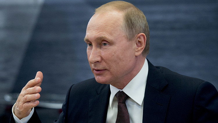 "Putin: ""La OTAN intensifica su retórica agresiva y Rusia tomará medidas"""
