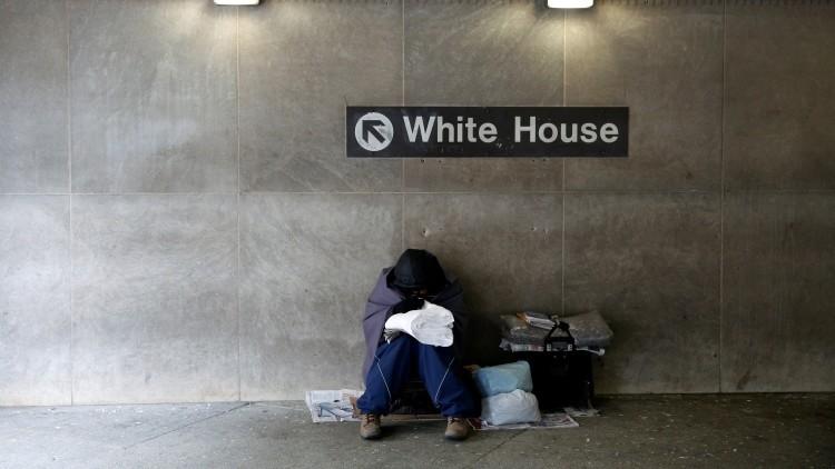 FMI: Uno de cada 7 estadounidenses vive en la pobreza