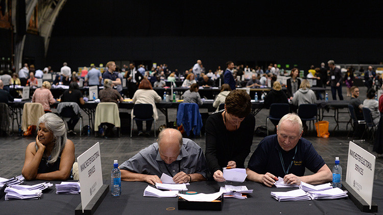 Descubren firmas falsas en la petición al Parlamento británico para un segundo referéndum