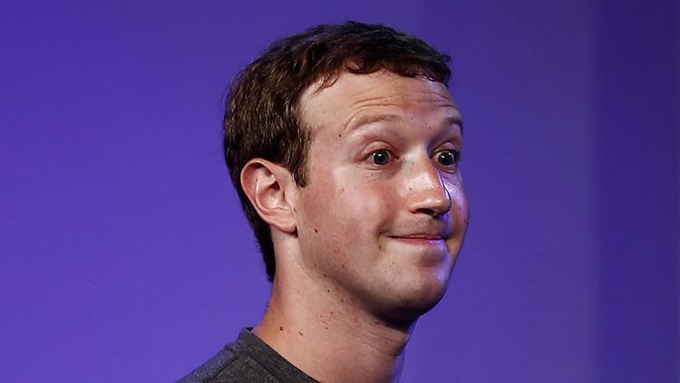 ¿Por qué Zuckerberg tapa la cámara y el micrófono de su ordenador?