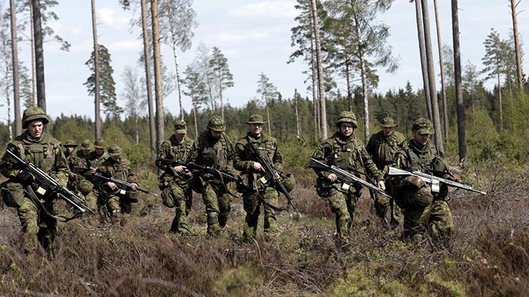 Soldados estonios toman parte en ejercicios militares de la OTAN el 12 de Mayo de 2015