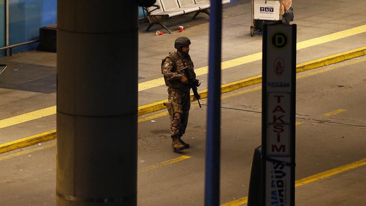 Aeropuerto de Estambul: Dos atacantes se suicidaron antes de pasar por el control de seguridad