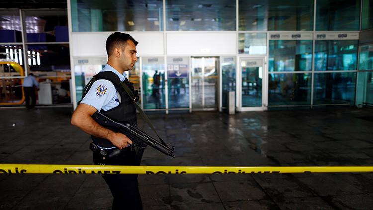 Publican las primeras fotos de dos suicidas del aeropuerto de Estambul