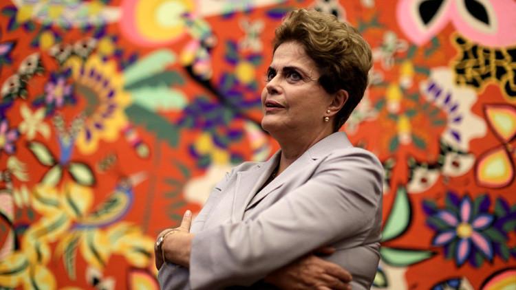 """Rousseff admite que su """"error más obvio"""" fue la alianza con Temer"""