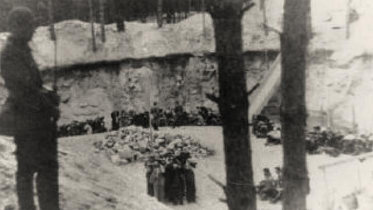 Las ejecuciones en Paneriai en julio de 1941.