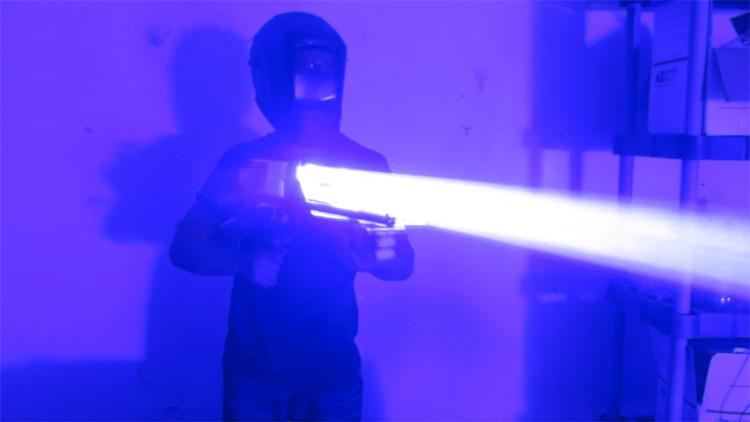 Video: Así funciona una improvisada bazuca láser de 200 vatios
