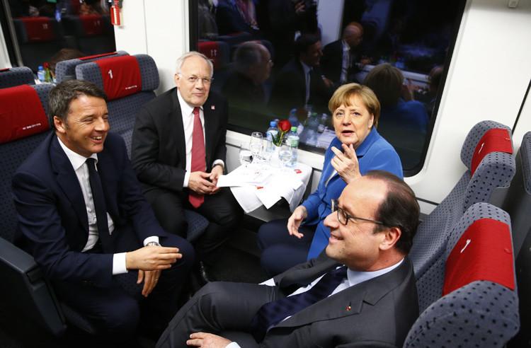 Angela  Merkel, Matte  Renzi, François Hollande y  Johann Schneider-Ammann durante la ceremonia de apertura en Erstfeld (Suiza), 1 de junio de 2016.