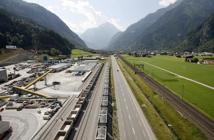 La vista general de Erstfeld (Suiza), 16 de julio de 2009.