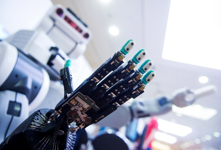Robot expuesto en el congreso científico IROS en Hamburgo, Alemania / 2 de octubre de 2015